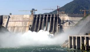 筑就跨世纪宏伟水电工程